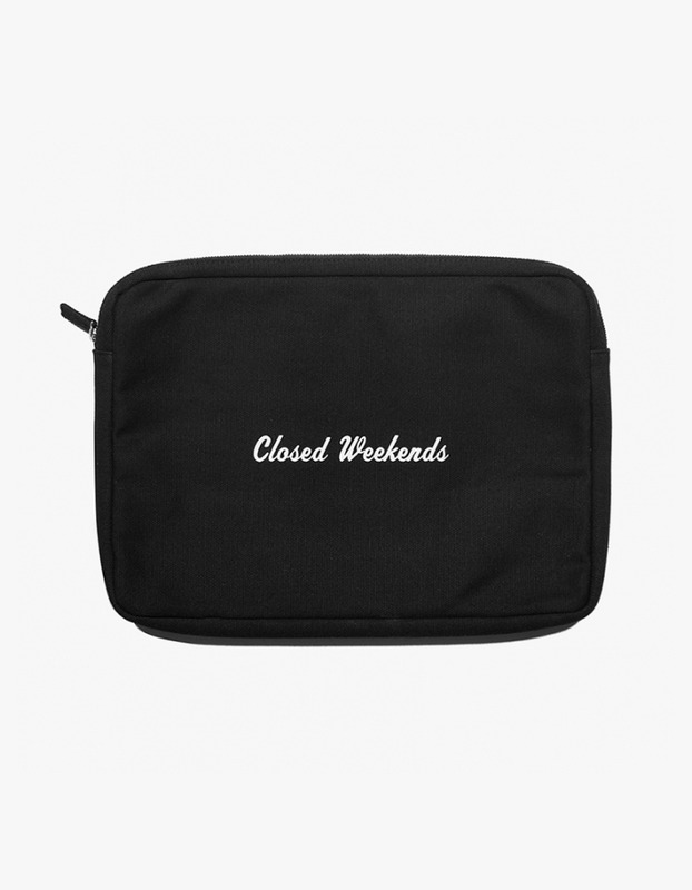"Laptop Pouch 13"" - Closed Weekend"