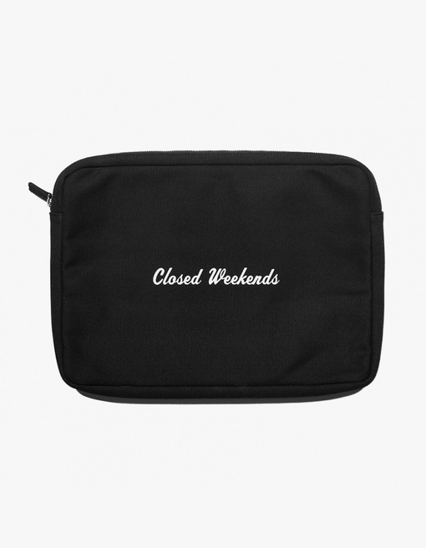 "Laptop Pouch 15"" - Closed Weekend"