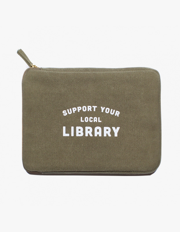 Ipad Pouch - Library